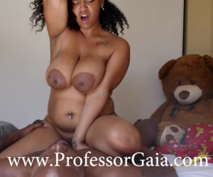 Professor Gaia Monroe Black Amateur Cum on Ebony Tits