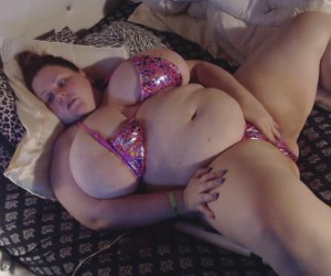 BBW Daytona Hale's Huge Boobs in a Tight Fitting Bikini