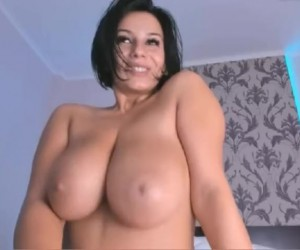 MelissaHot2017 Busty Wife with the Biggest Boobs on Snapchat