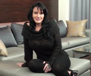 Busty Mature Vegas Cougar with Big Natural Tits