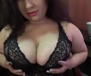 Bustylarissa 2017 Massive Big Tits and Sexy Long Legs Camgirl