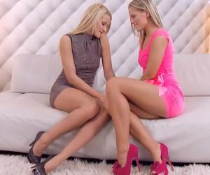 Big Boobs Great Legs Porn